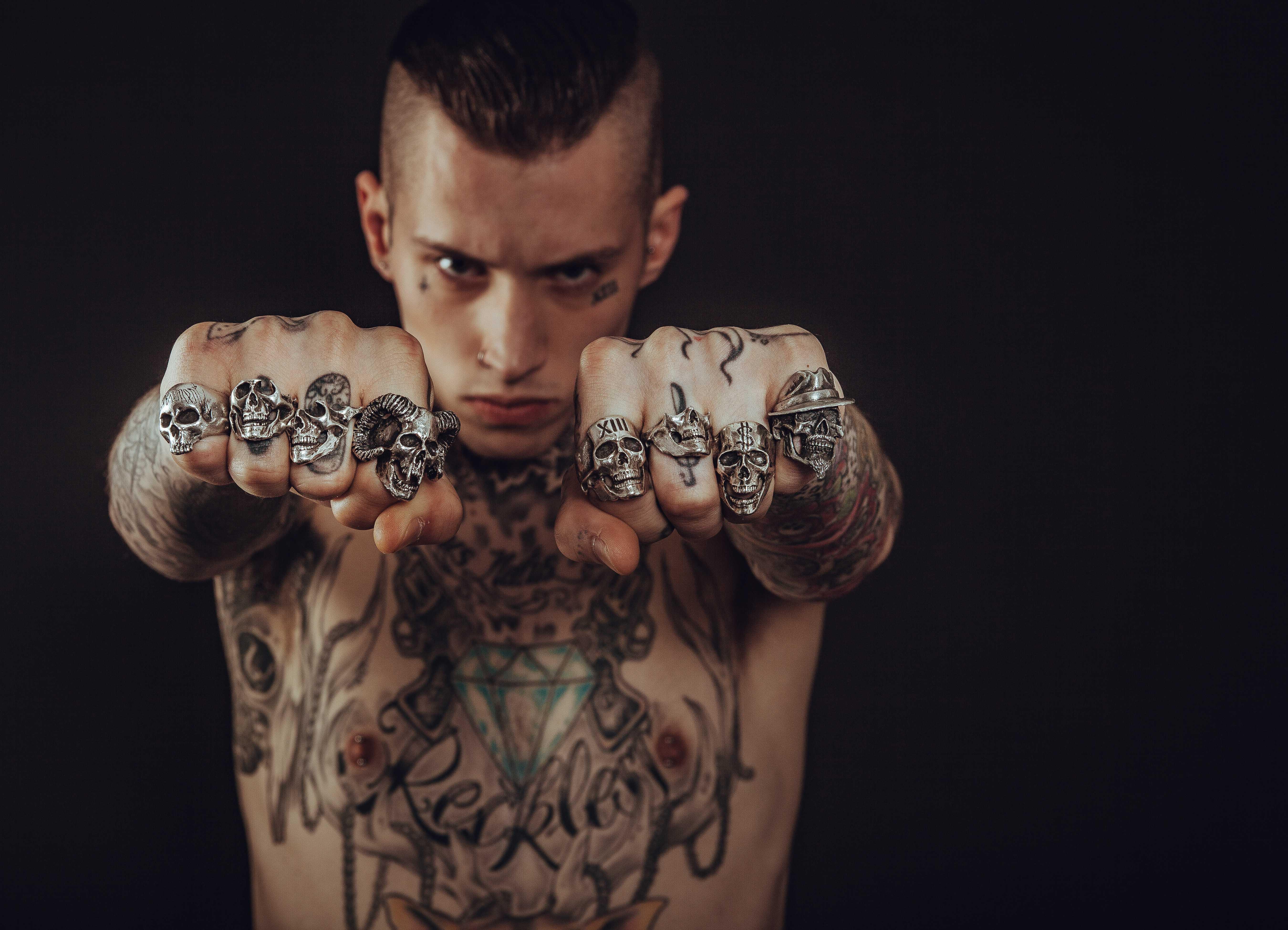 татуировка притягивающие деньги и удачу